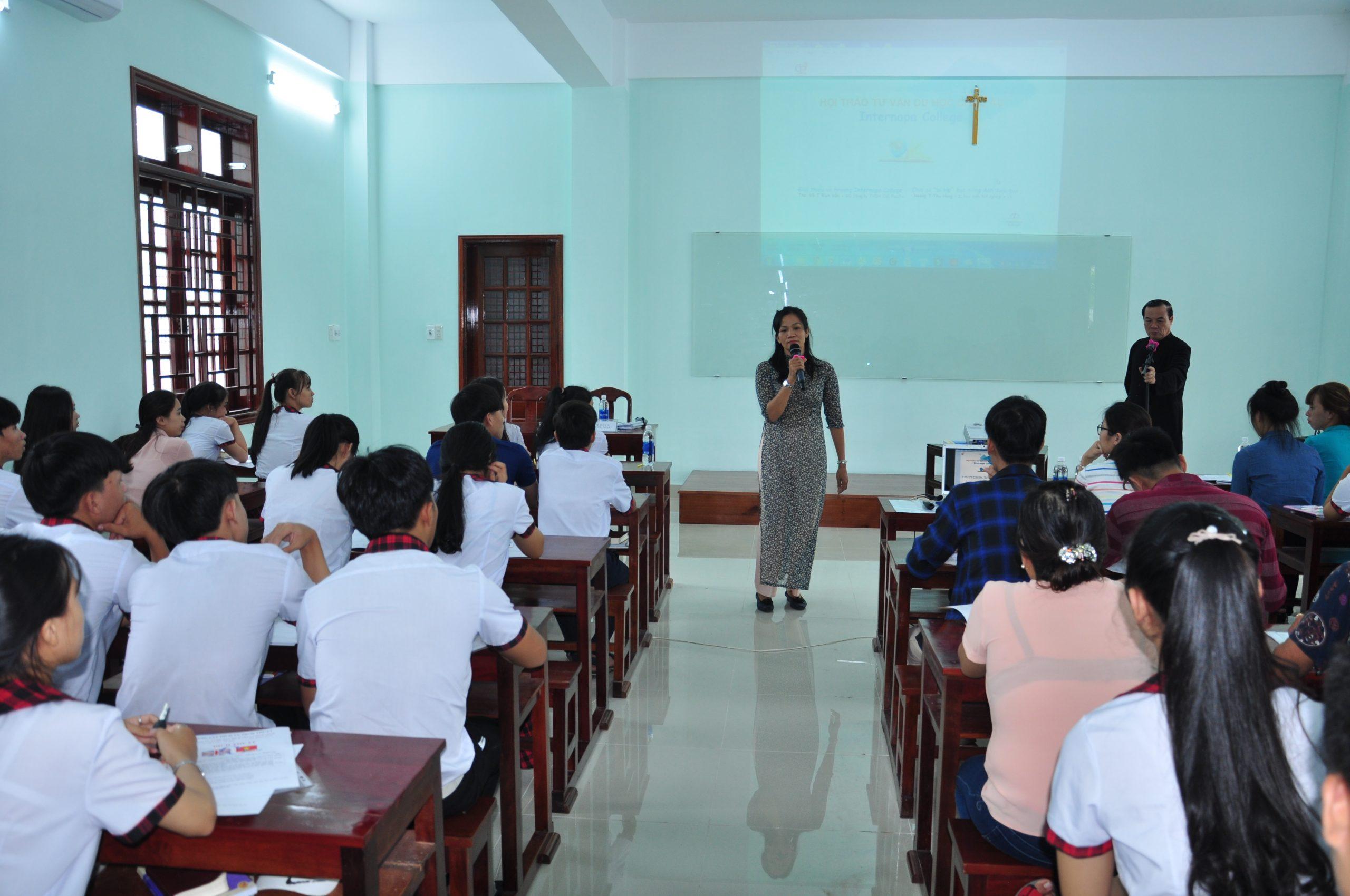 Hội thảo du học tháng 9 2019 – du học tại trường InterNapa College – Sip -Châu Âu